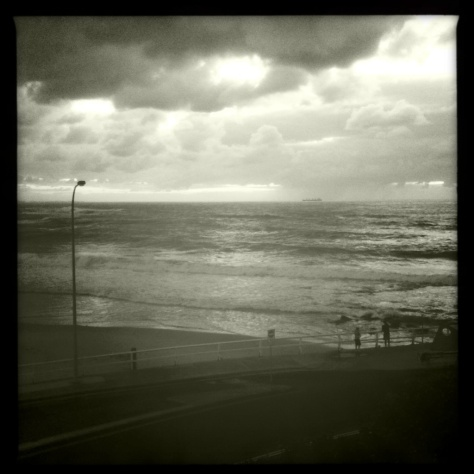 hipstamatic nobbys beach, morning storm